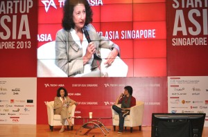 Aliza Knox from Twitter interviewed by Anh-Minh Tran Do, Editor at Tech in Asia