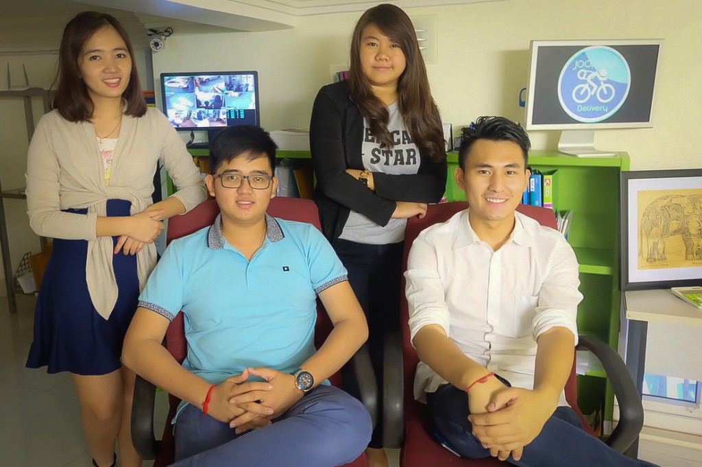 A photo of the management team behind Joonaak Delivery, from left to right: Leakhena Long Daravin Long Puyhoung Loch Soliya Kong (Jay) These young entrepreneurs are changing the start-up scene in Cambodia, and its distribution services as well! Photo credit: Joonaak Delivery