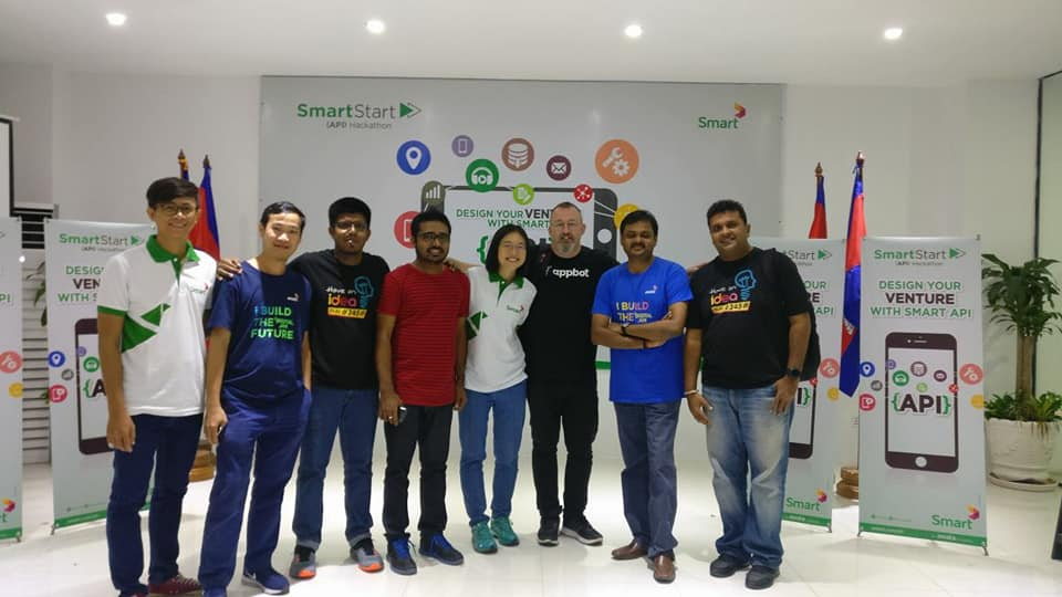 Ideamart Team present at the 2nd SmartStart API Hackathon Photo Credits: Ideamart Facebook Page